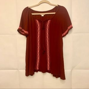 Women's XL Embroidered Flowy Sleeve Top